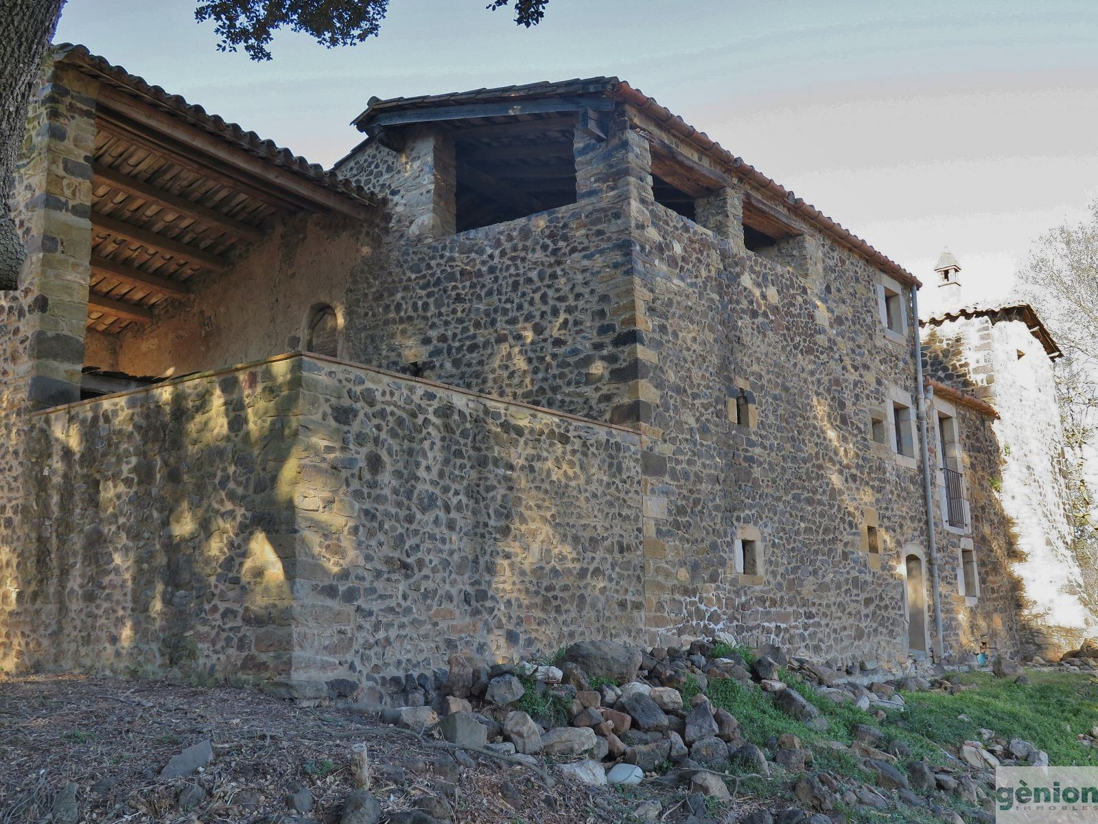 MASIA IN CANET D'ADRI, GIRONÈS. 900M² BUILT AND 14HA OF LAND