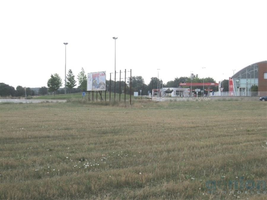 INDUSTRIAL PLOT OF 9.541m², IN FORALLAC
