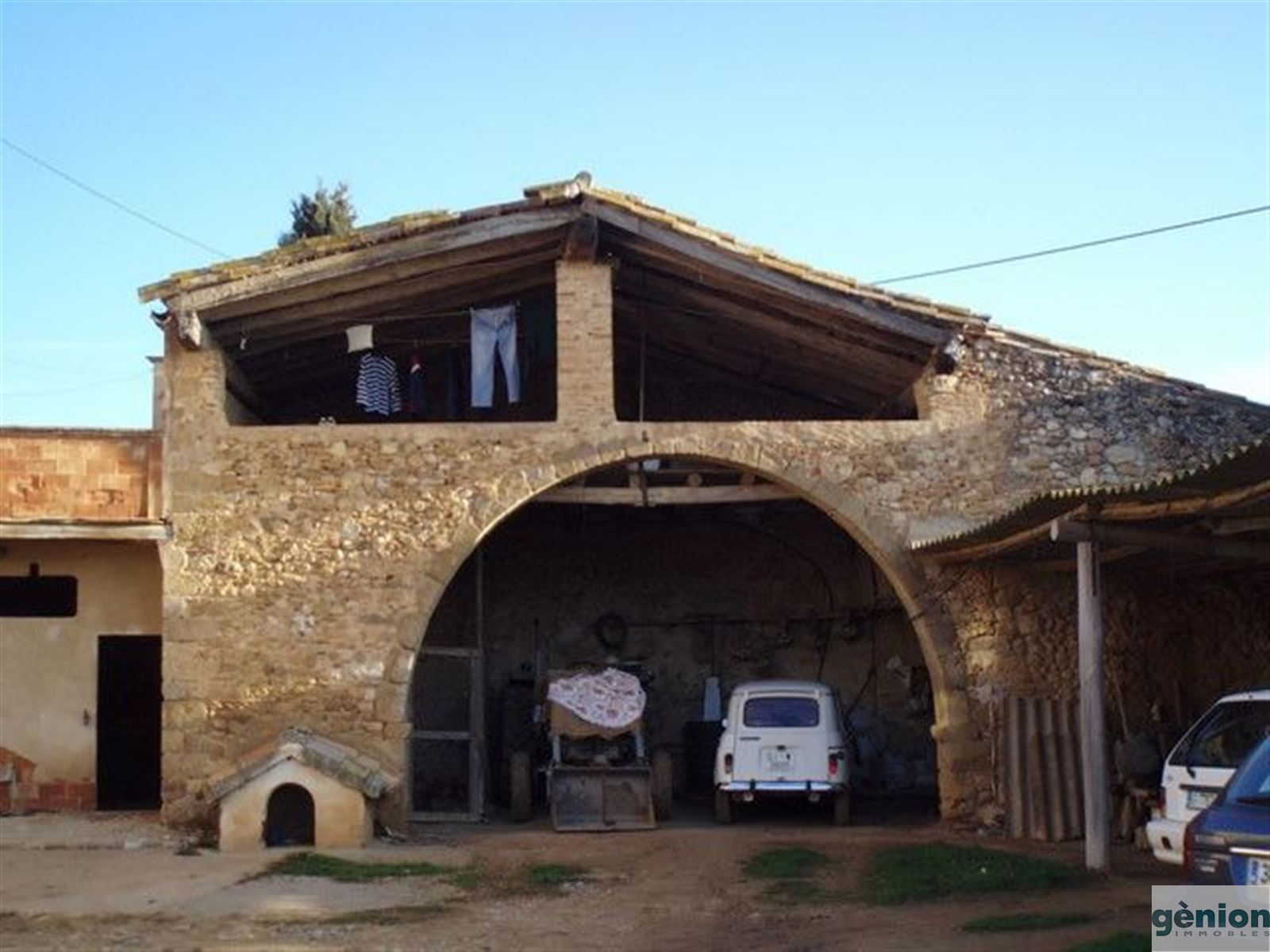 COUNTRY HOUSE IN ALT EMPORDÀ. 1.562M² BUILT AND 18,2 HA OF LAND