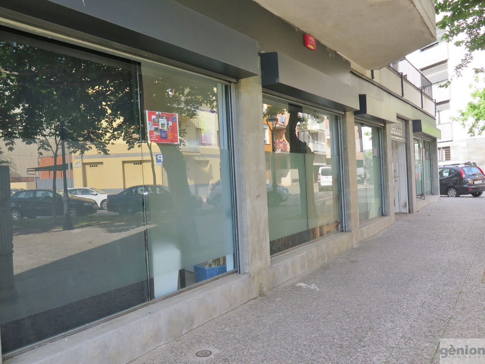 310 m² COMMERCIAL PREMISES (CORNER UNIT) IN CAN GIBERT DEL PLA, GIRONA