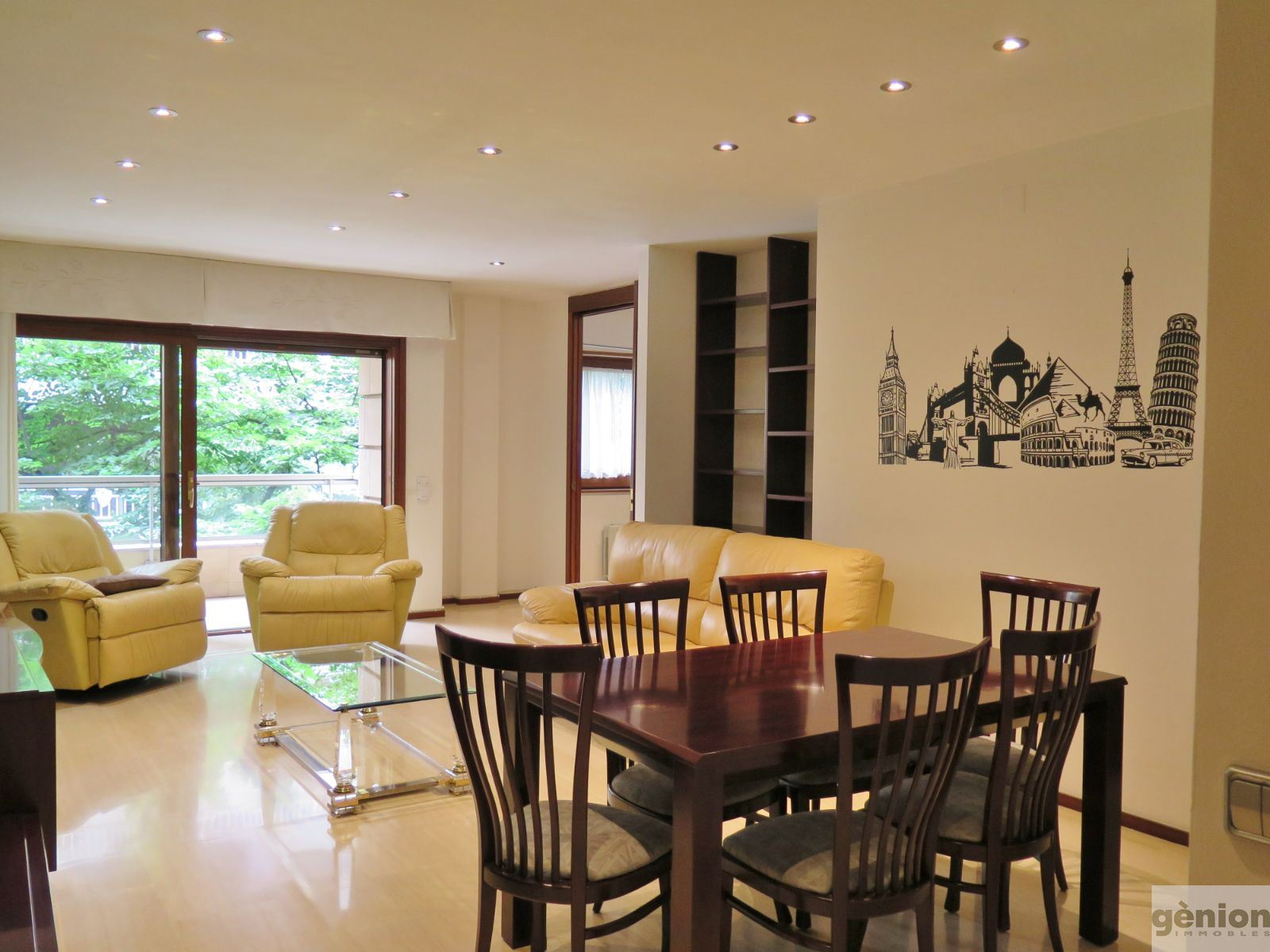 FOUR DOUBLE ROOMS FLAT, IN THE HEART OF GIRONA