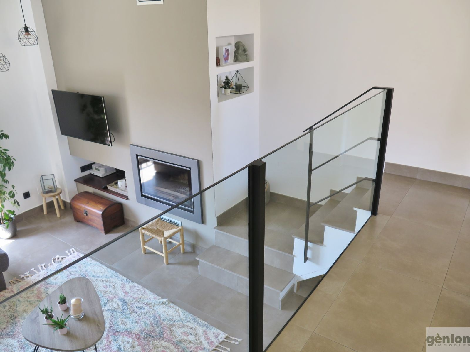 TWO-STOREY ATTIC APARTMENT IN THE CENTRE OF GIRONA. LIVING AREA OF 151.3 m² AND 18.5 m² TERRACE