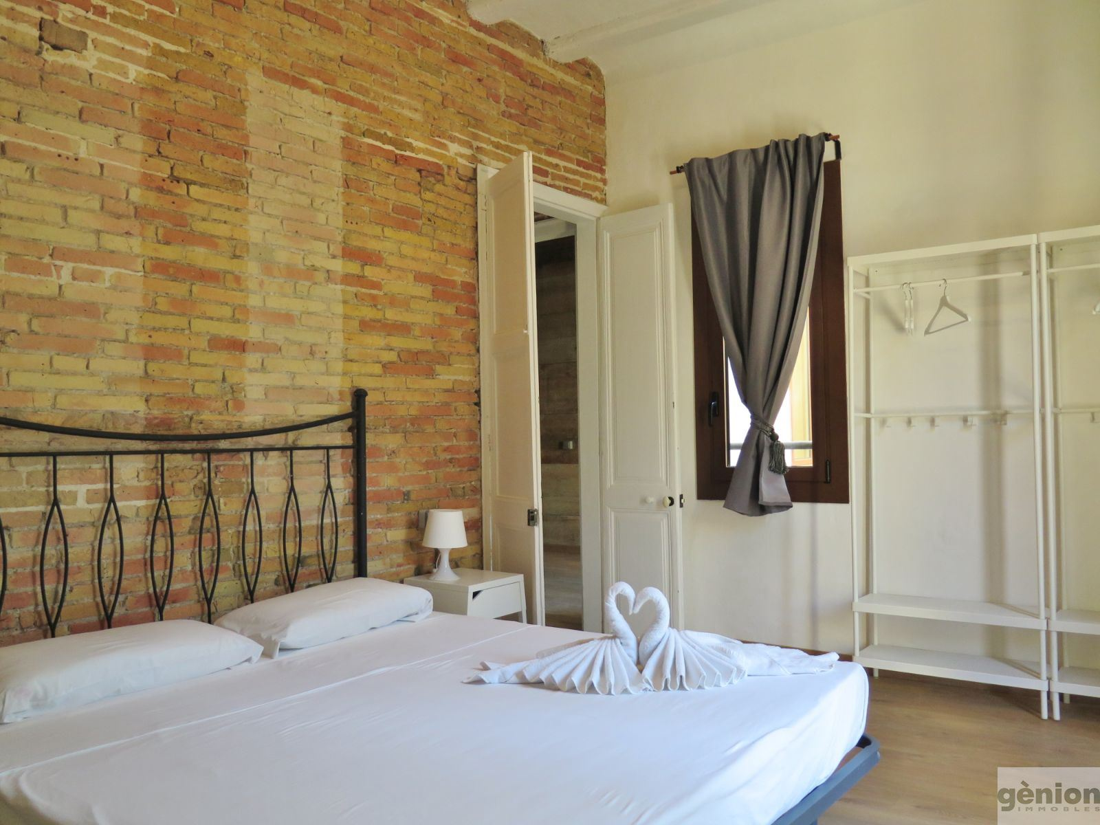 128 m² APARTMENT IN GIRONA'S BARRI VELL (OLD QUARTER). FULLY REFURBISHED HISTORIC BUILDING