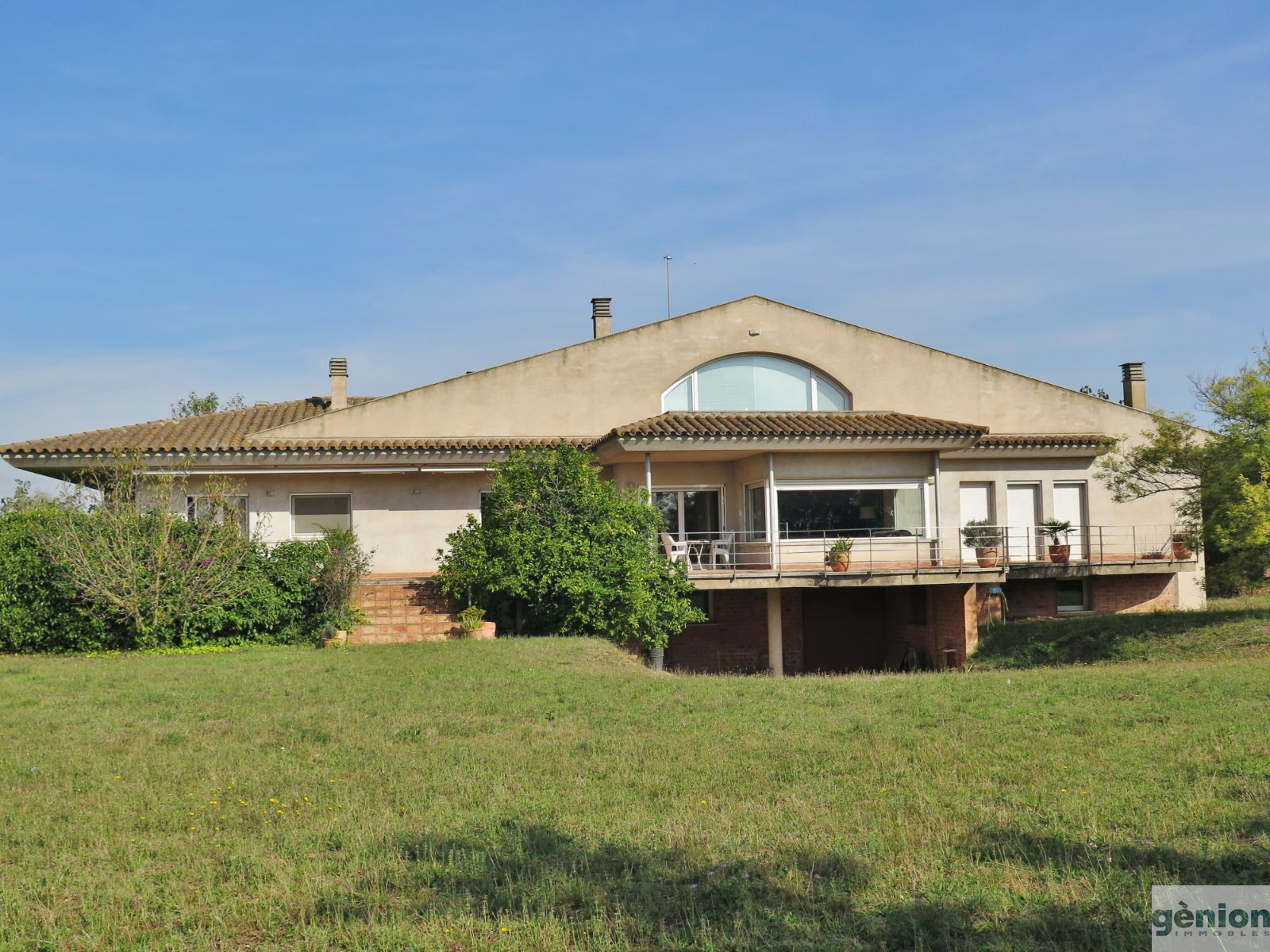 PROPERTY IN VERGES (BAIX EMPORDÀ). 803 m² HOUSE ON A 15,117 m² PLOT