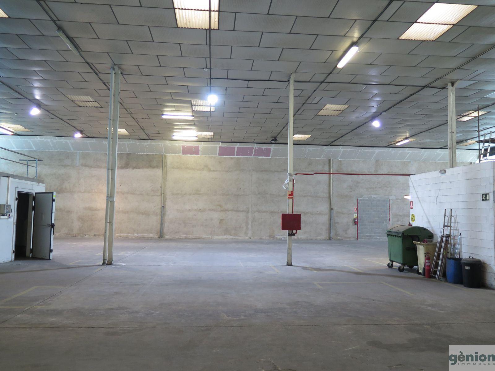NAU INDUSTRIAL DE 1.034M² A SARRIÀ DE TER (SARRIÀ DE DALT). AL COSTAT DE GIRONA