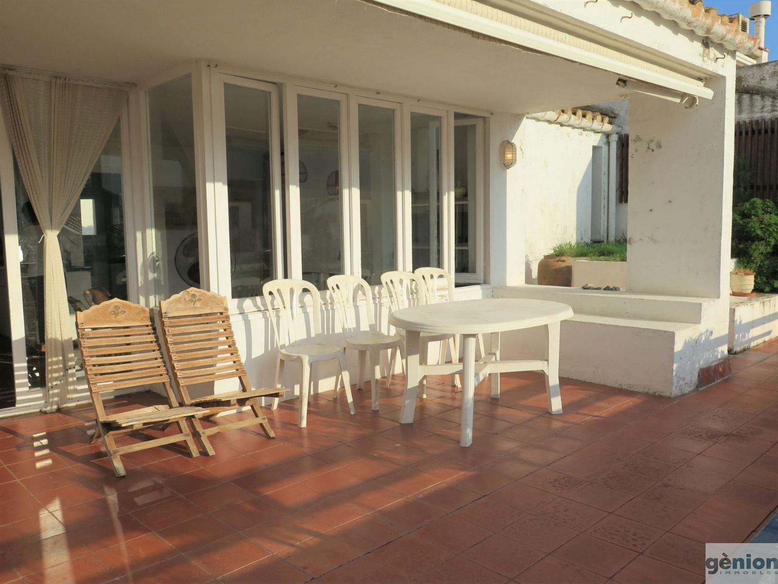 FIVE-BEDROOM HOUSE IN PORT DE LA SELVA. TOWN CENTRE, JUST A FEW METRES FROM THE BEACH