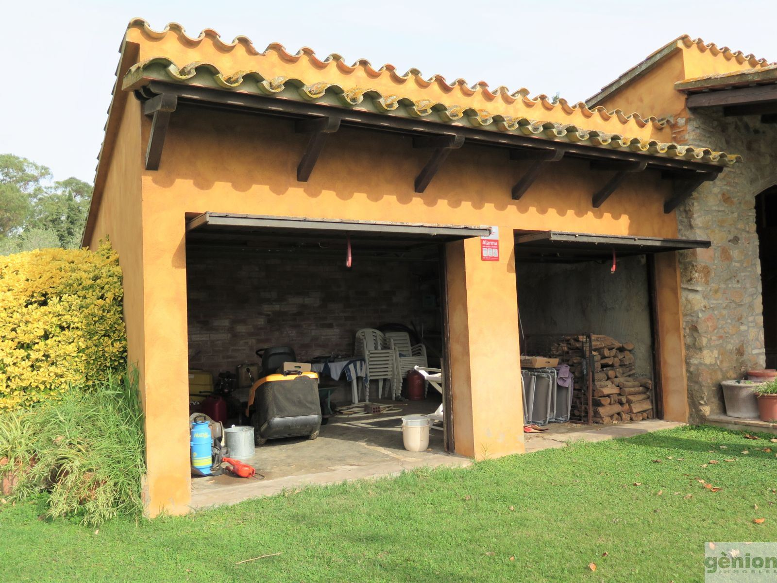 FERME À PALAFRUGELL, COSTA BRAVA. 490M² BÂTIS ET 11.969 M² DE TERRAIN
