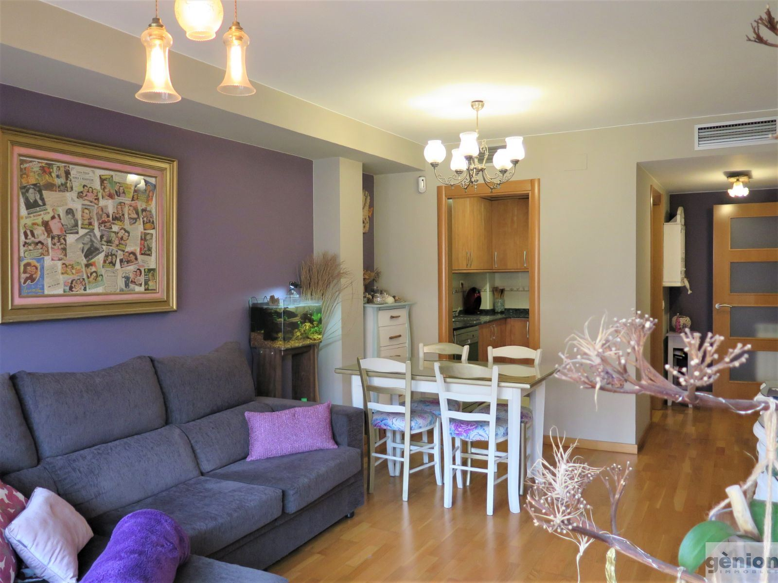 THREE-BEDROOM APARTMENT WITH 2 BATHROOMS AND TERRACE IN GIRONA'S LA DEVESA DISTRICT. OPTIONAL PARKING PLACE