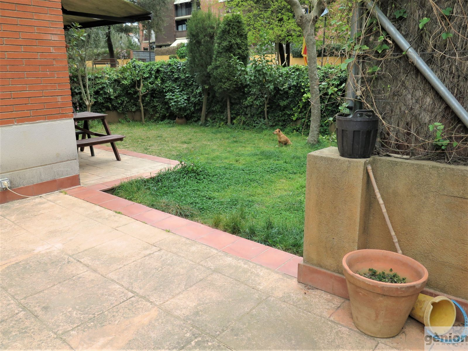 GROUND-FLOOR APARTMENT IN GIRONA'S MONTJUÏC DISTRICT. PRIVATE GARDEN AND COMMUNITY AREA WITH SWIMMING POOL